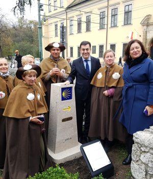 Cracovia ya tiene su marco del Camino, a 4.184 km de Santiago