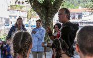 Cecilia Pereira participó en una visita teatralizada a Padrón, en el Portugués