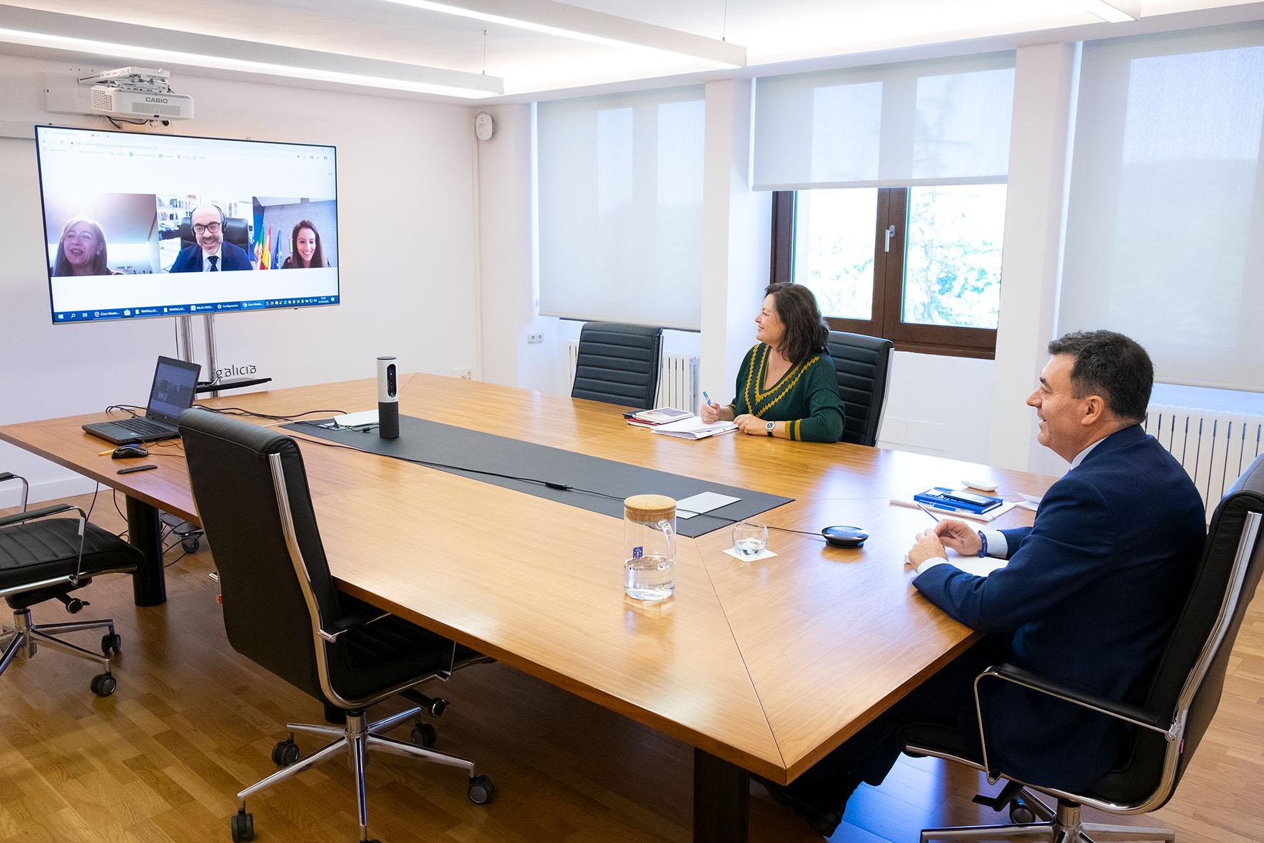 12,30 h.- O conselleiro de Cultura e Turismo, Román Rodríguez, acompañado pola comisaria do Xacobeo 2021, Cecilia Pereira, manterá unha reunión por videoconferencia cos conselleiros das comunidades polas que discorre a Vía da Prata. foto xoán crespo 19/05/2020