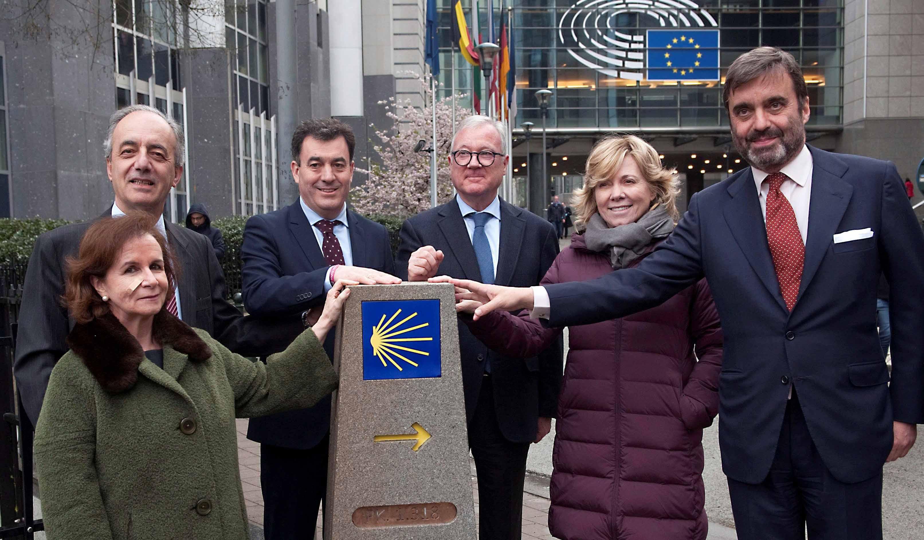 Descubrimento de monolito del Camino de Santiago en Bruselas